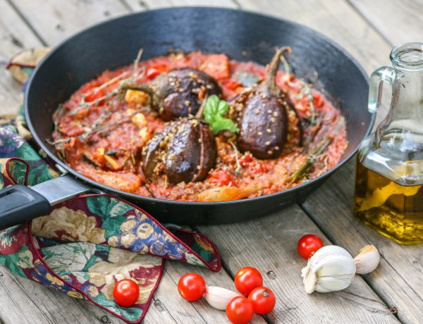 Indian eggplant stuffed with panko breadcrumbs, in a red wine tomato sauce.