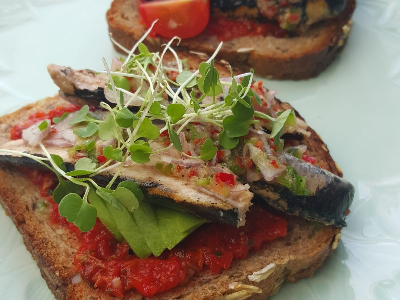 how to make canned sardines on toast